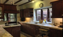 HAND PAINTED KITCHEN – BEFORE